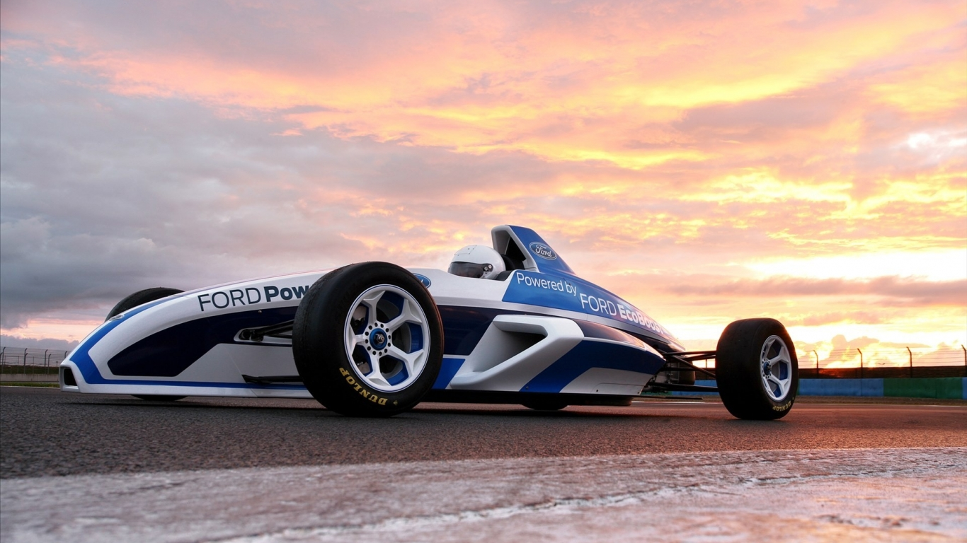 Ford Power F1 - 1366x768