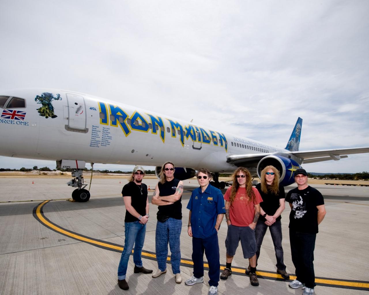 Iron Maiden y su avión privado - 1280x1024