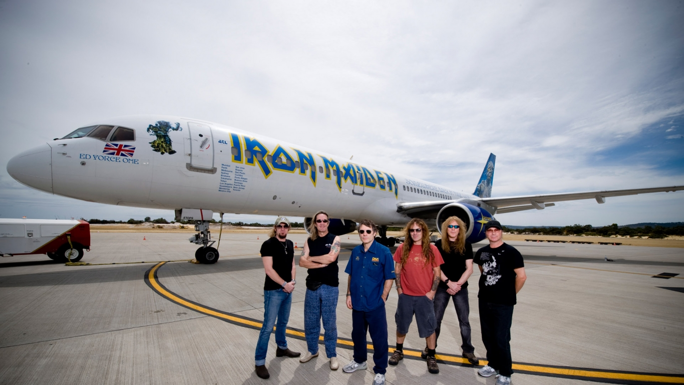 Iron Maiden y su avión privado - 1366x768