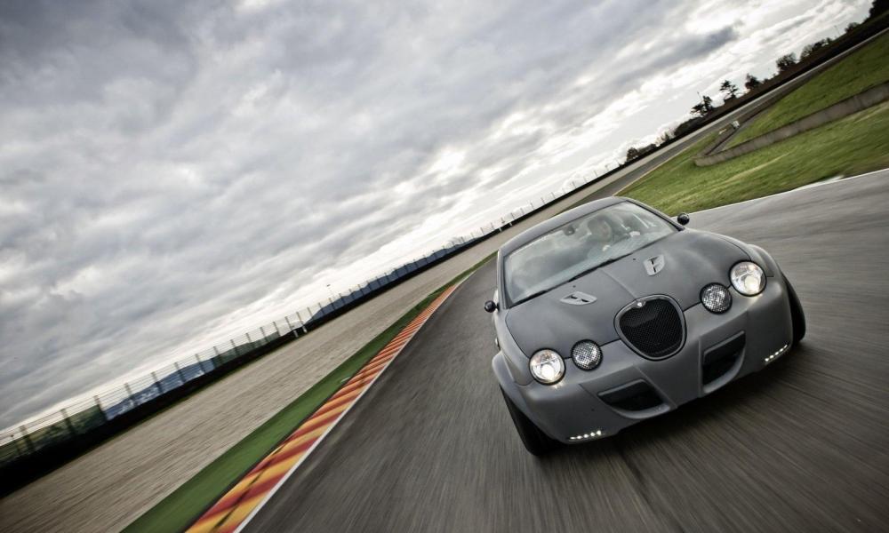 Jaguar X-Type-R - 1000x600
