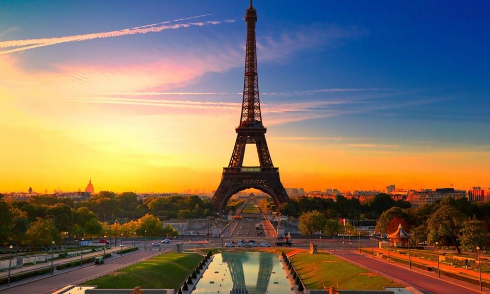 La torre Eiffel al atardecer - 1000x600