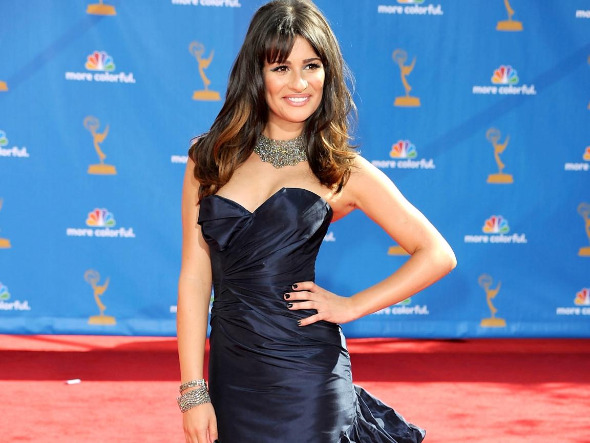 Lea Michele con vestido - 1152x864