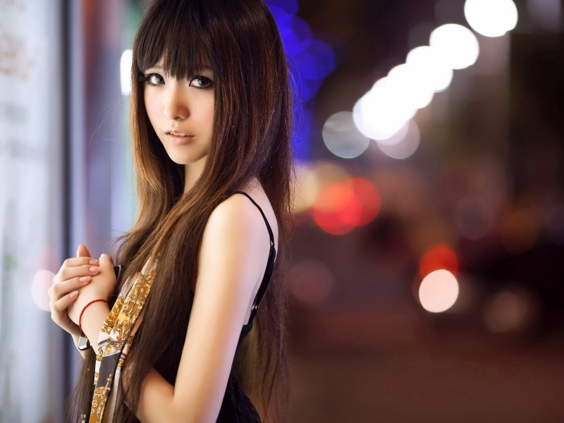 Linda asiática delgada - 800x600