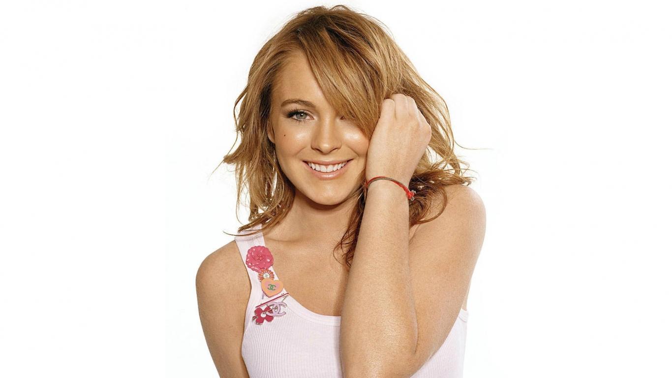 Lindsay Lohan - 1366x768