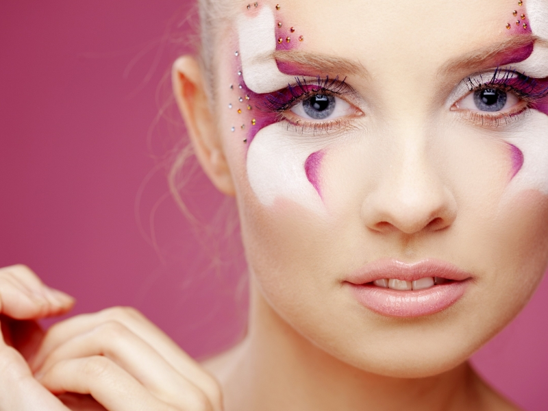 Maquillajes en el rostro - 800x600