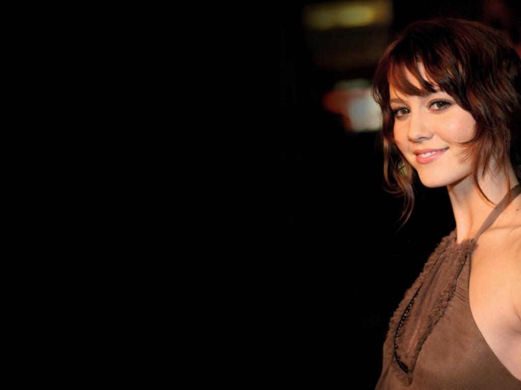 Elizabeth Winstead sonriendo - 1024x768