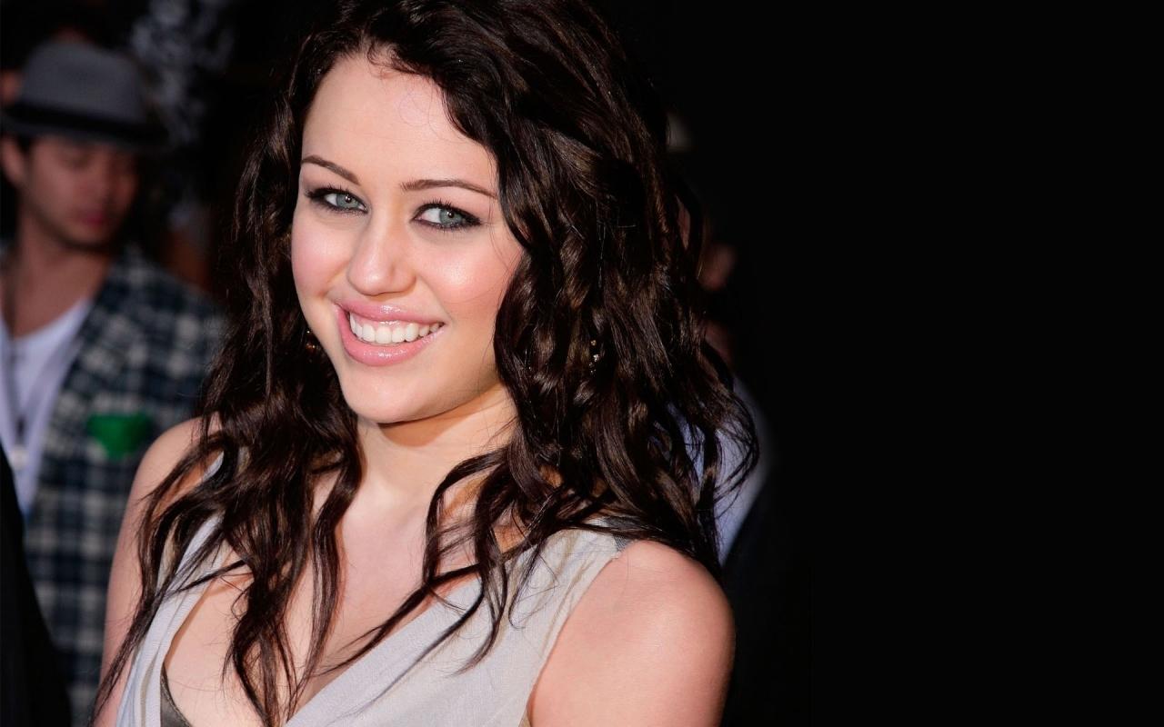Miley Cyrus - 1280x800