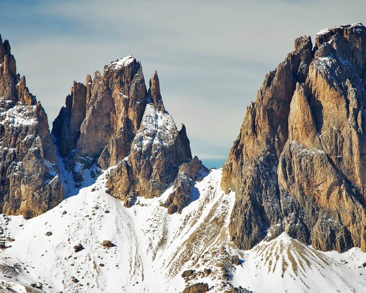 Montaña Nevada Hd: Montañas Cubiertas Por Nieve Hd 1280x1024