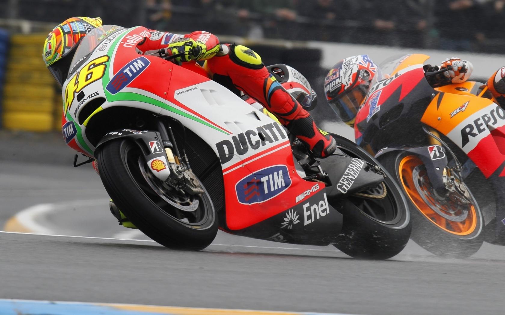 Moto Ducati VS Honda - 1680x1050