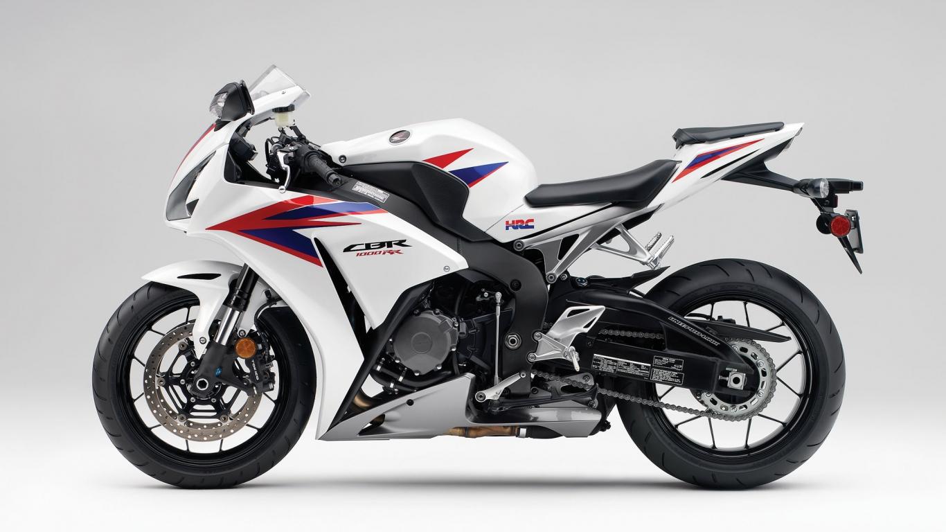 Moto Honda CBR1000RR - 1366x768