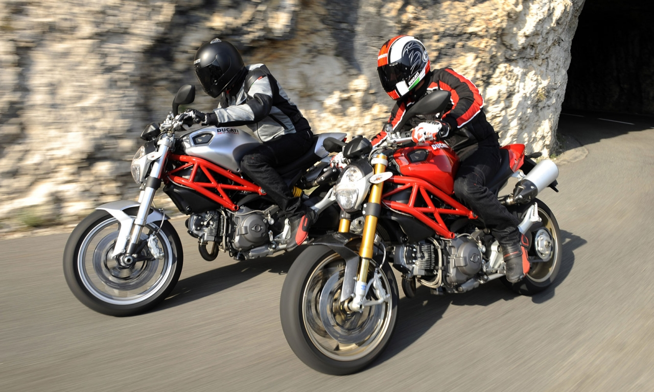 Motos Ducati Monster - 1280x768