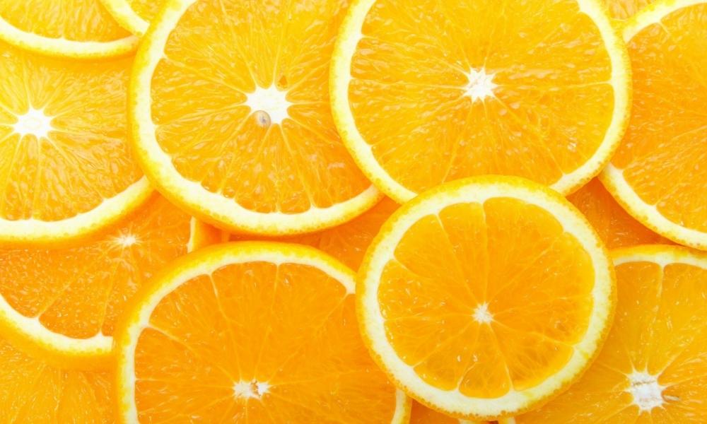 Naranjas partidas x la mitad - 1000x600