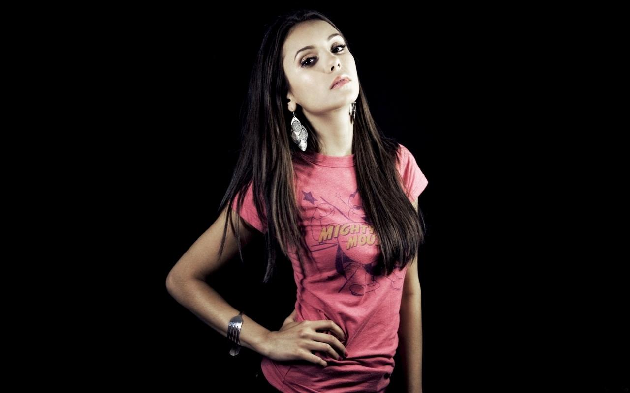 Nina Dobrev casual - 1280x800