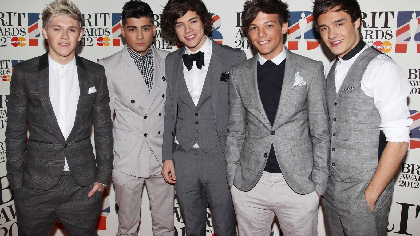 One Direction trajes - 1366x768