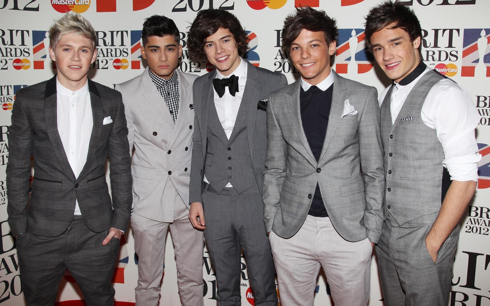One Direction trajes - 1680x1050