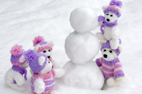 Peluches en la nieve - 480x320