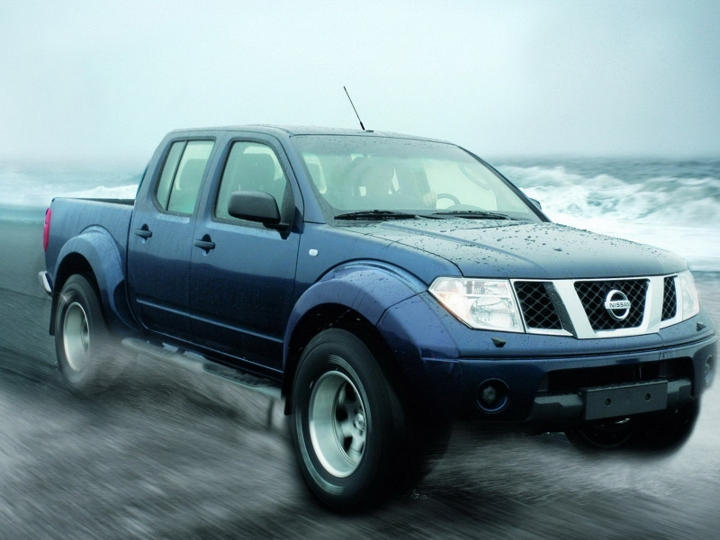 Pickup Nissan azul - 800x600