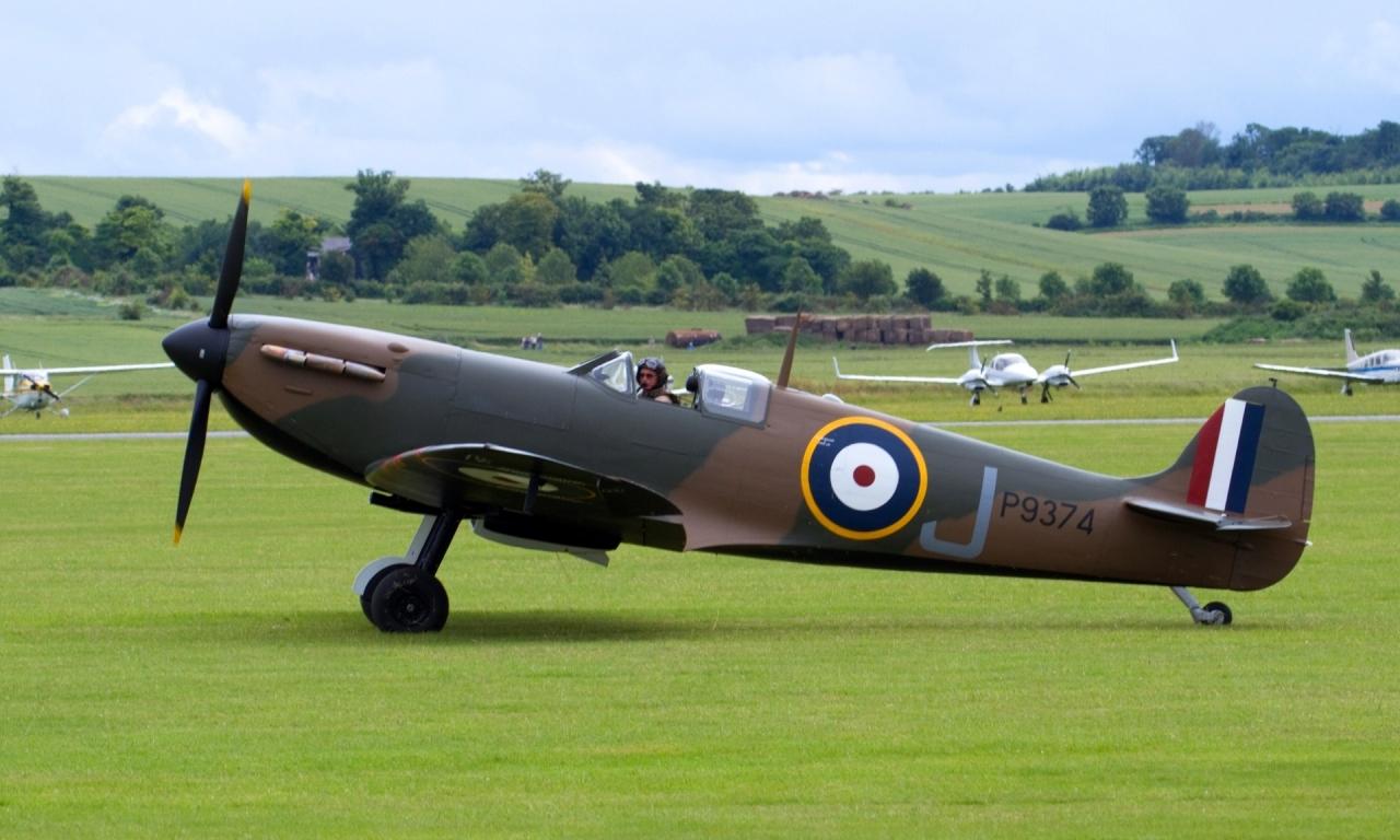 Spitfire - 1280x768