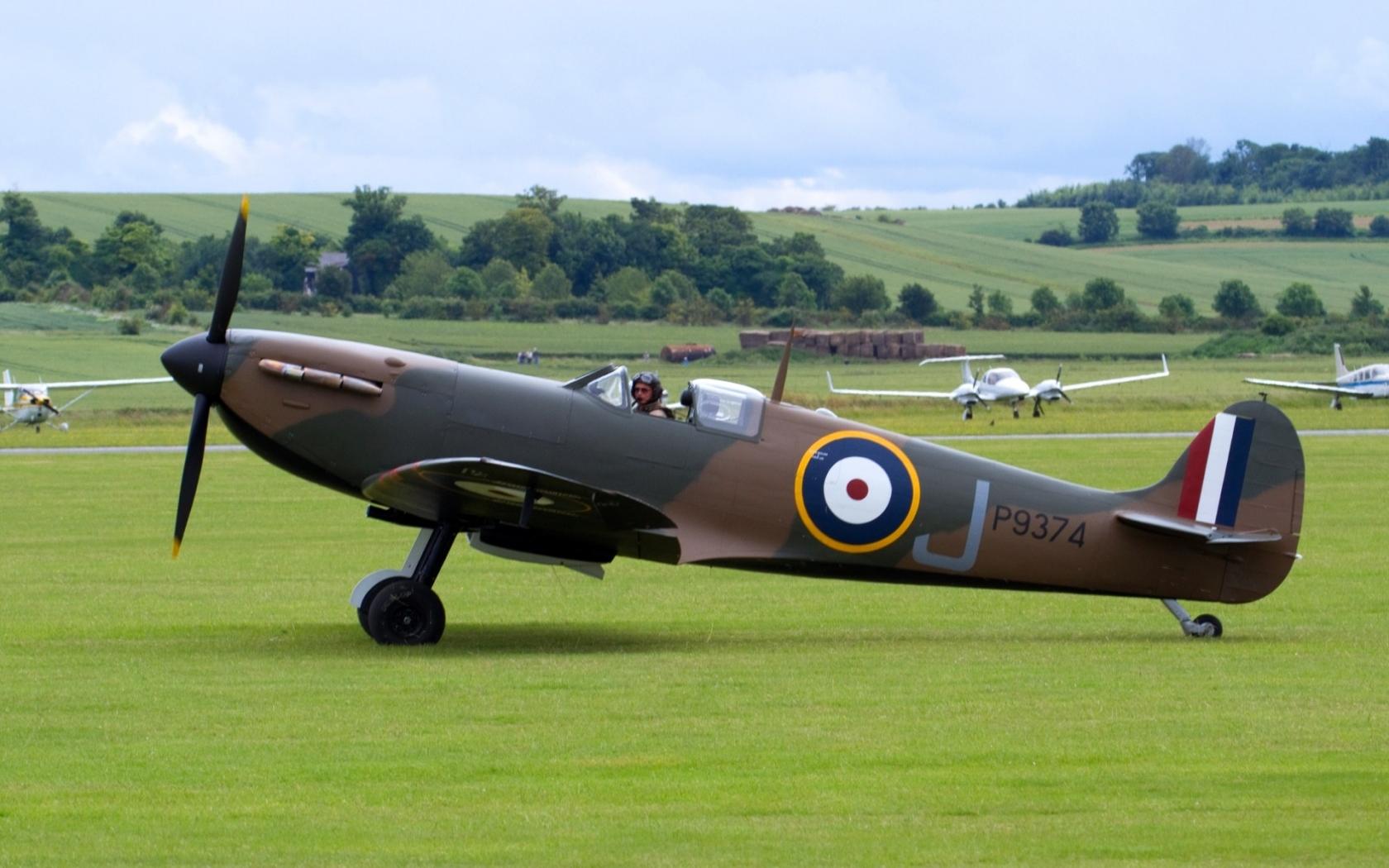Spitfire - 1680x1050