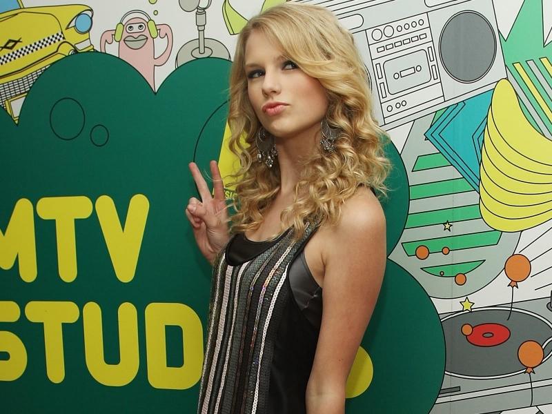 Taylor Swift 2013 - 800x600