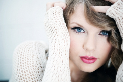 Taylor Swift y sus ojos - 480x320