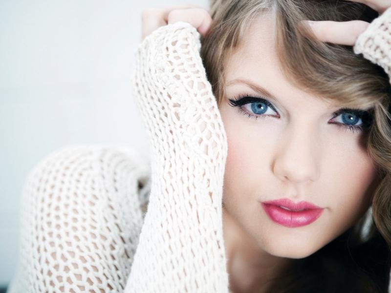 Taylor Swift y sus ojos - 800x600