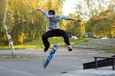 Trucos con skate - 480x320