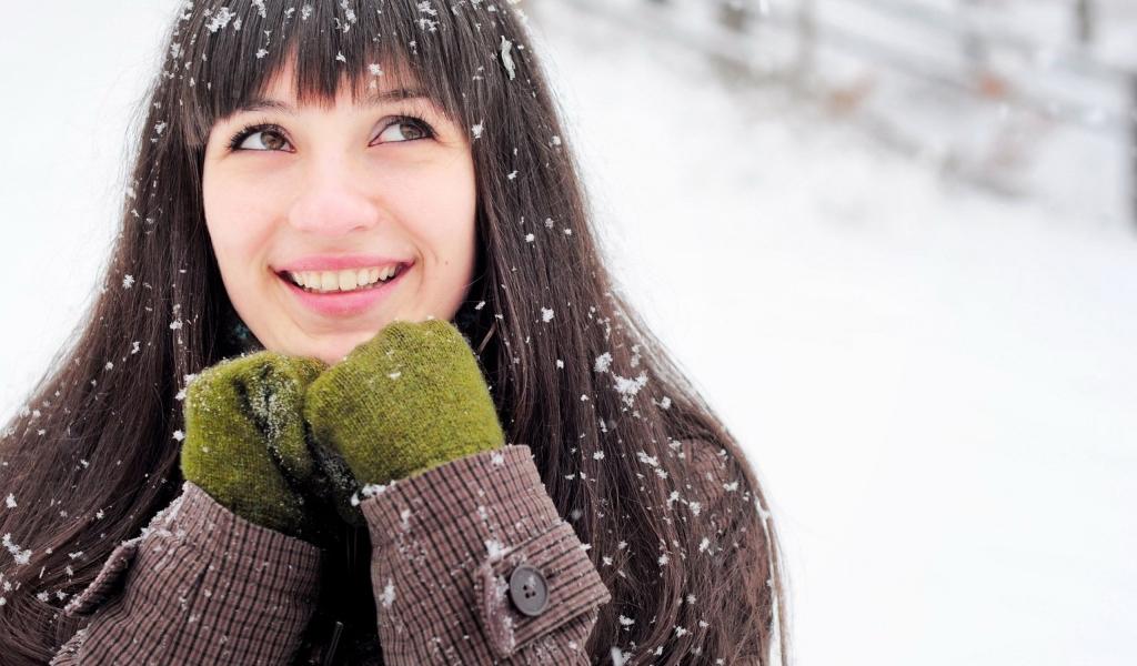 Una chica en la nieve - 1024x600