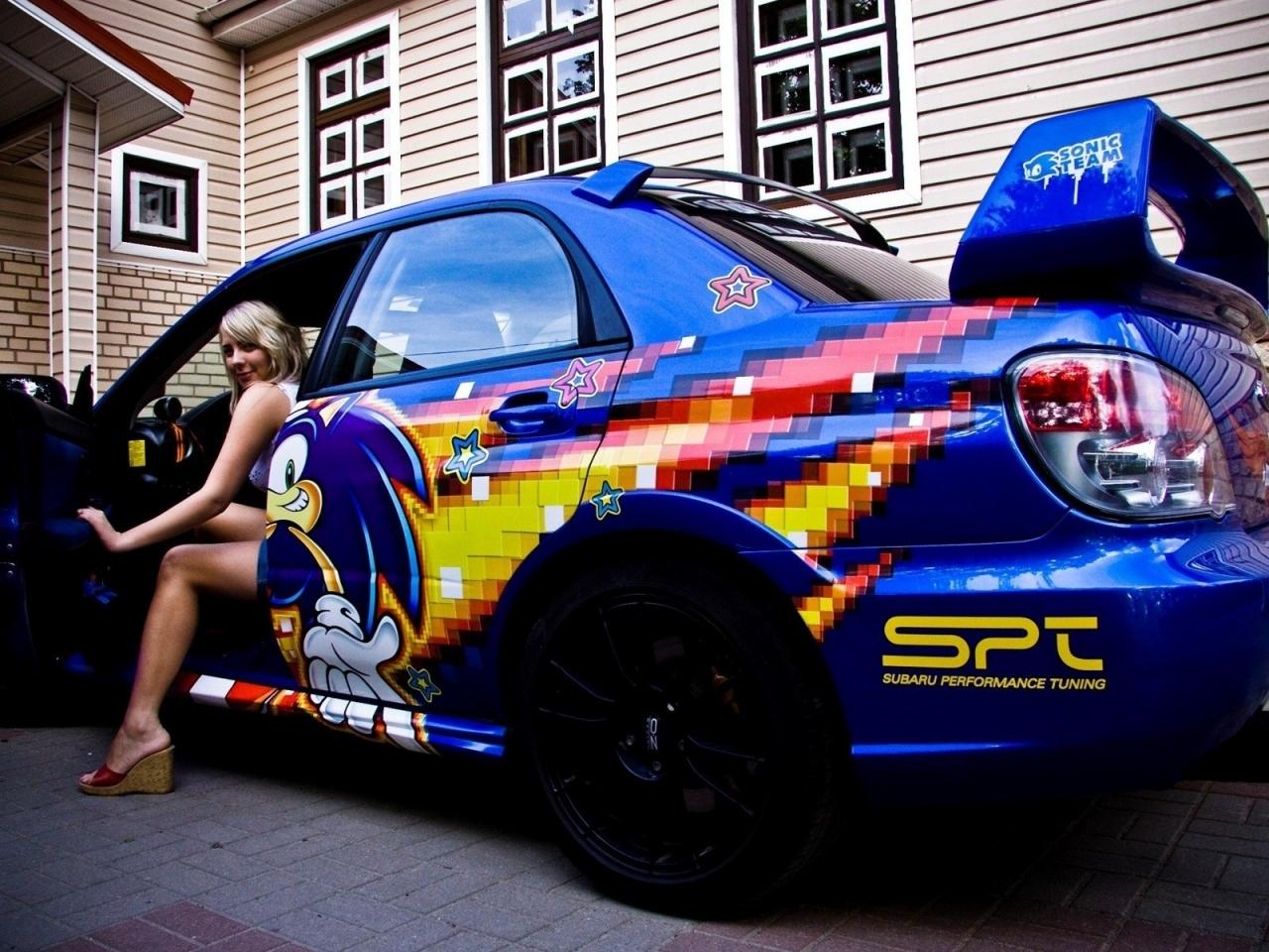Una chica y un Subaru - 1280x960