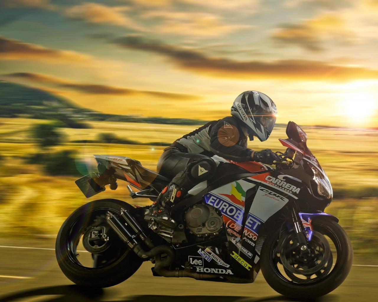 Una Moto Al Atardecer Hd 1280x1024
