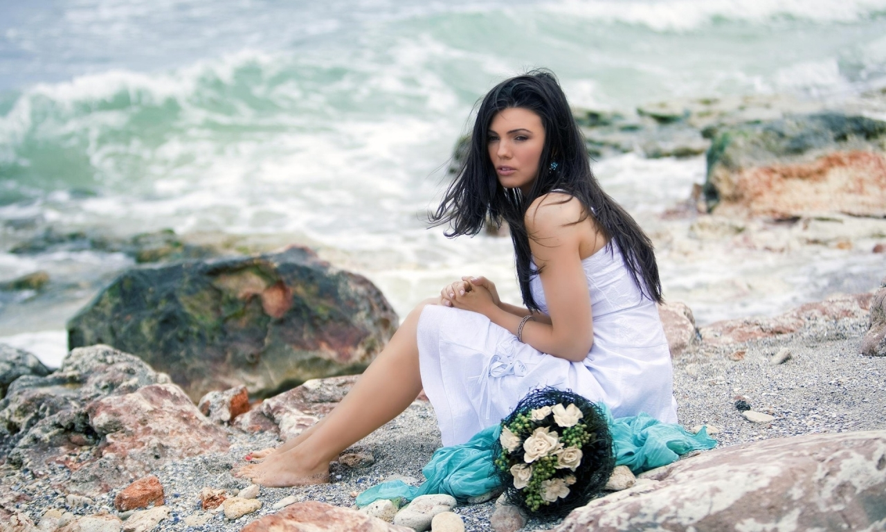 Una novia en la playa - 1280x768