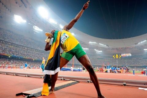 Usain Bolt en los juegos - 480x320