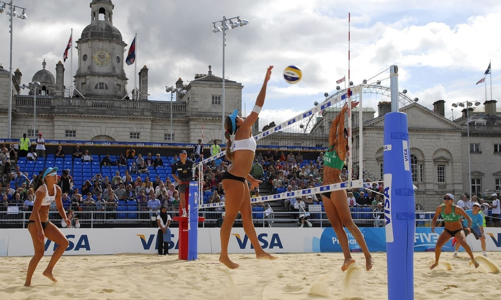 Voley en la playa - 1000x600