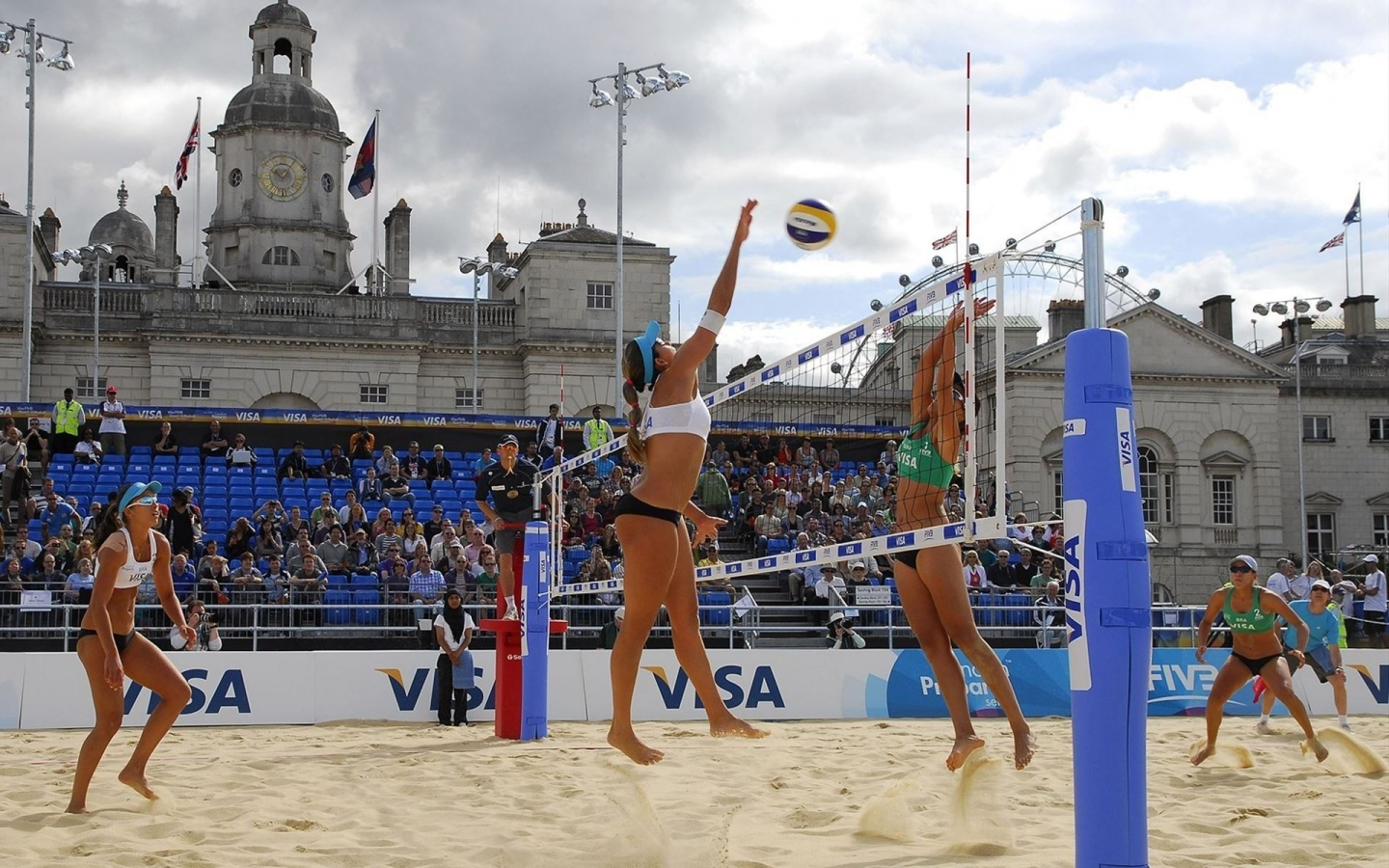 Voley en la playa - 1440x900