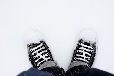 Zapatillas Converse en la nieve - 480x320