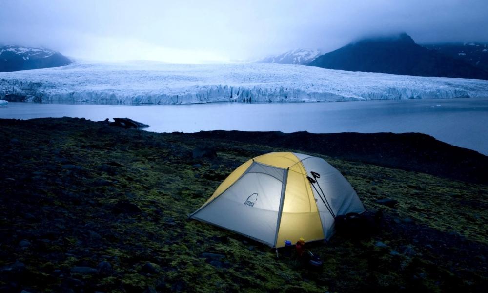Acampando en el frio - 1000x600