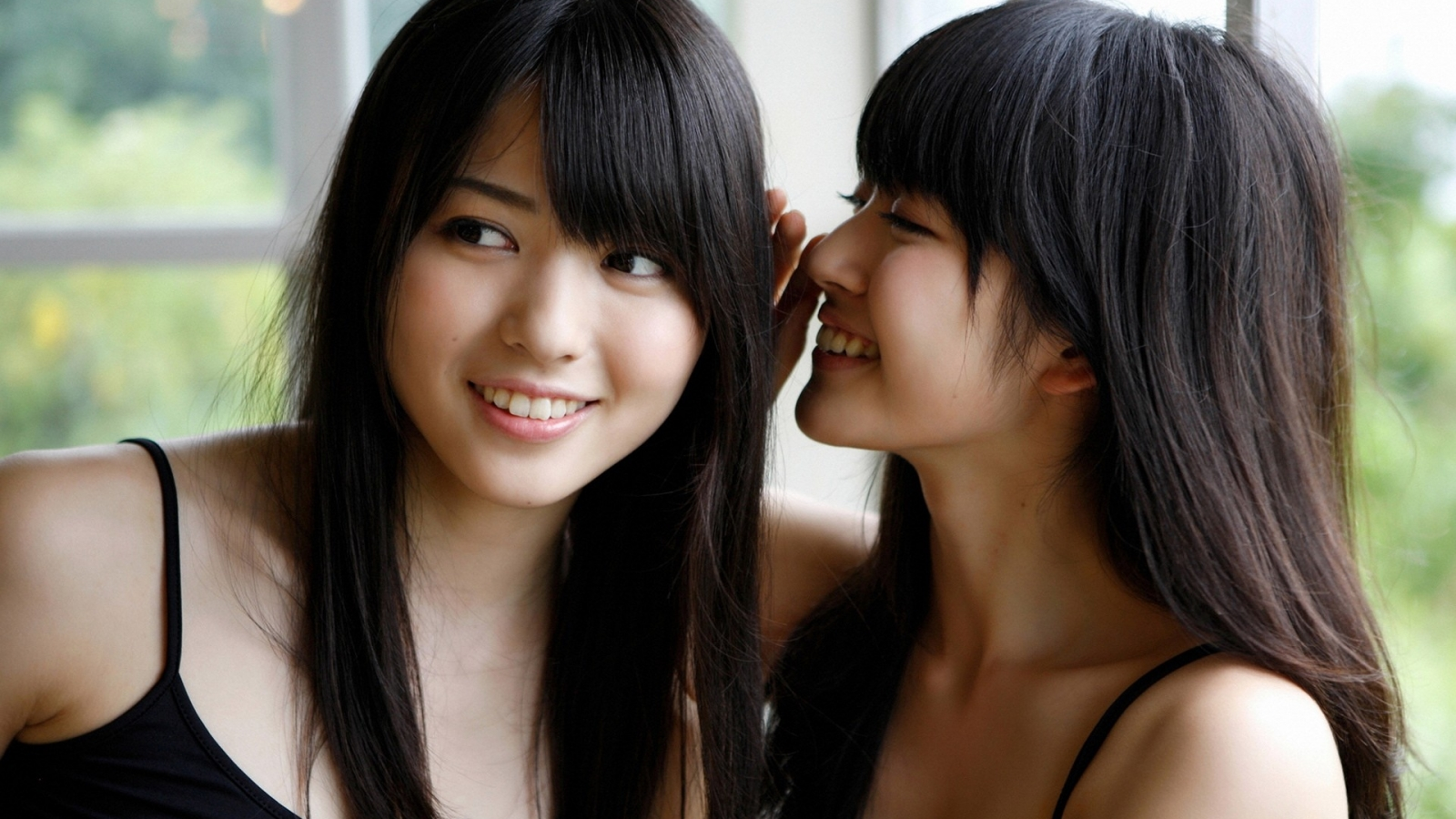 Airi Suzuki y Maimi Yajima - 1600x900