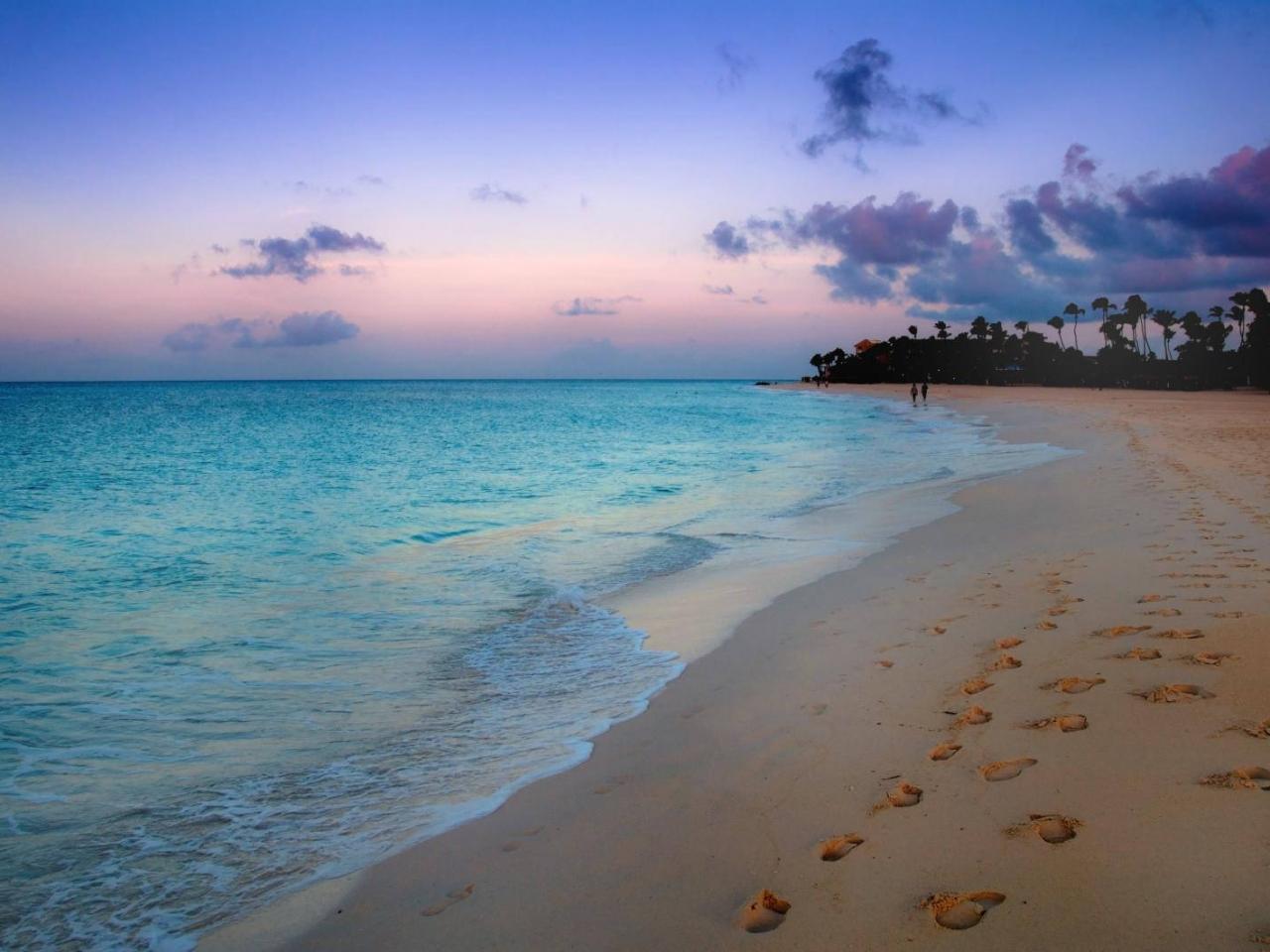 Amanecer en la playa azul - 1280x960