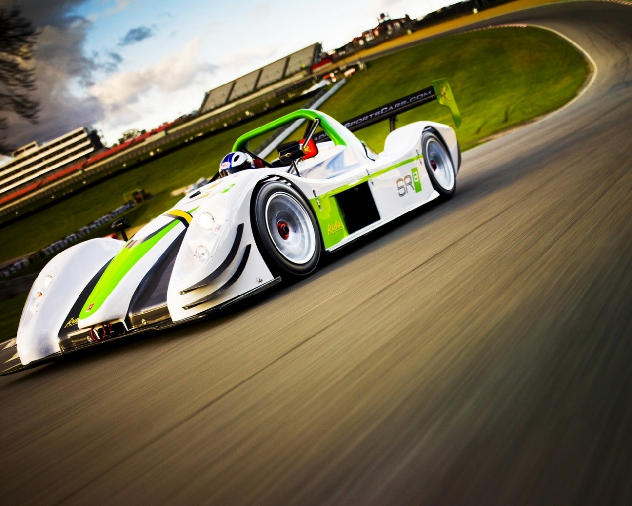 Auto F1 verde - 1280x1024