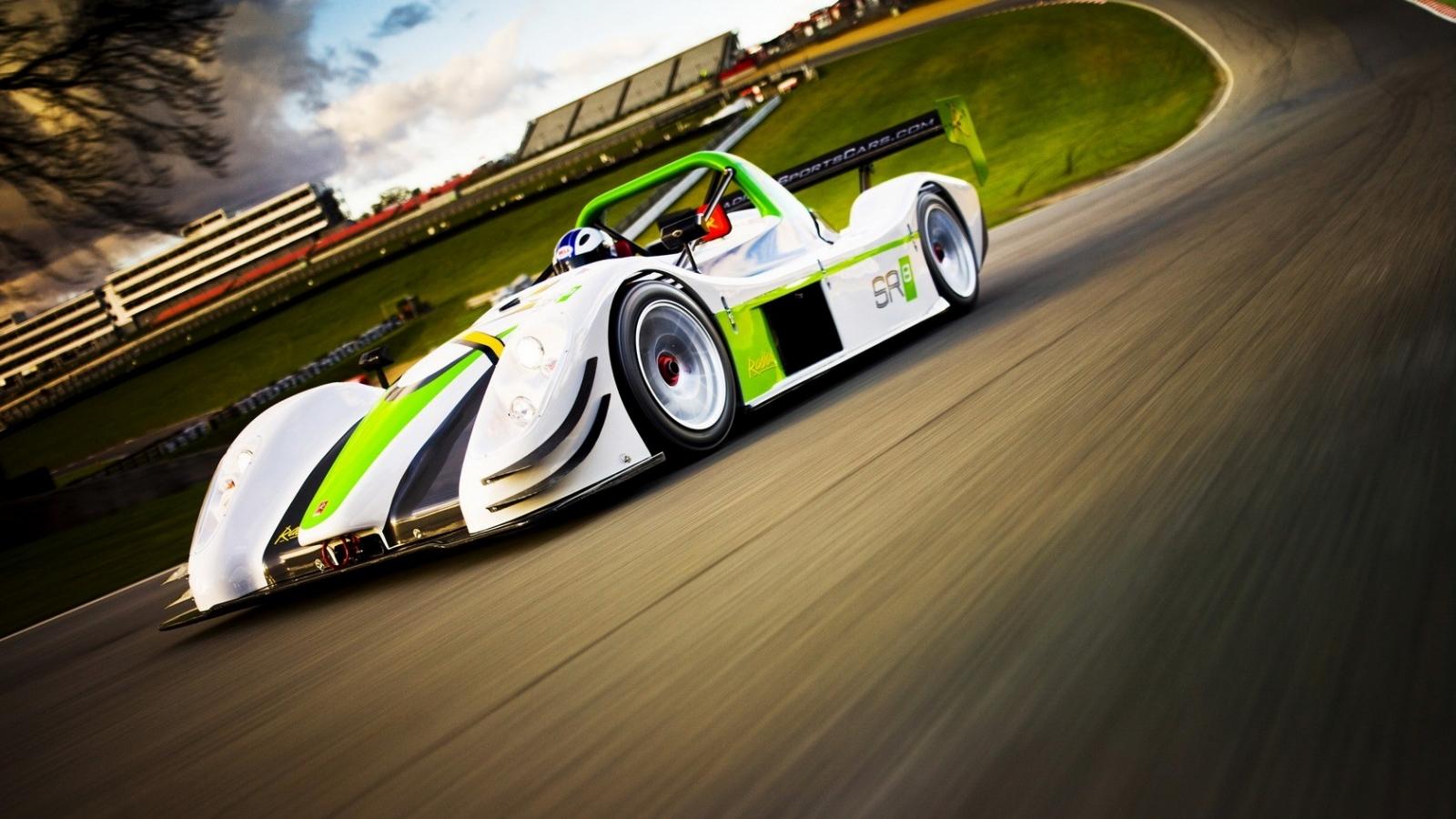 Auto F1 verde - 1600x900
