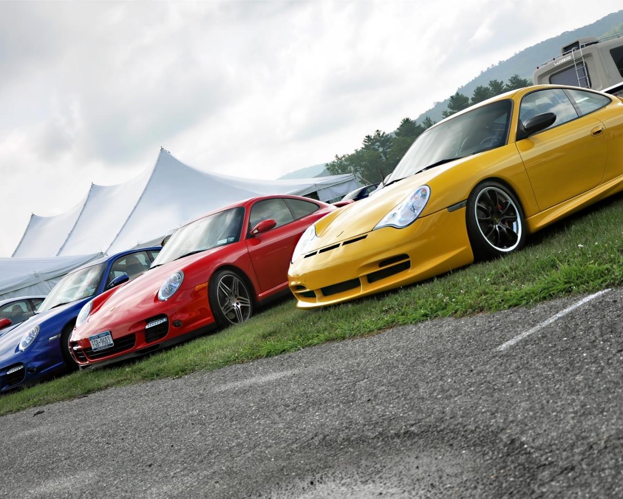 Autos Porsche de colores - 1280x1024