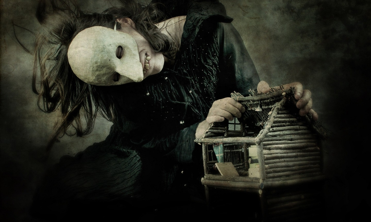 Chica con mascara terrorifica - 1280x768
