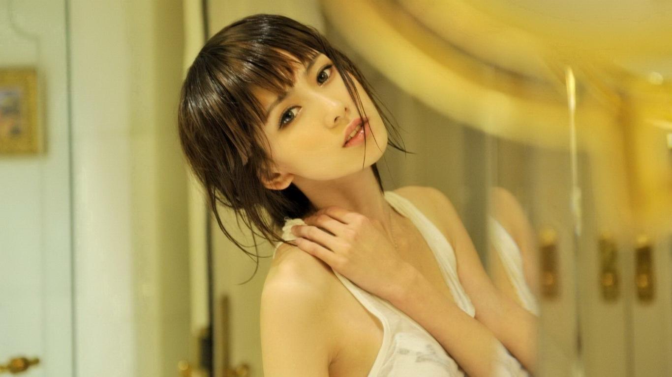 Chicas asiáticas - 1366x768