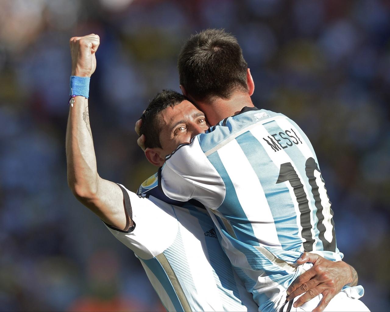 David Villa y Messi - 1280x1024