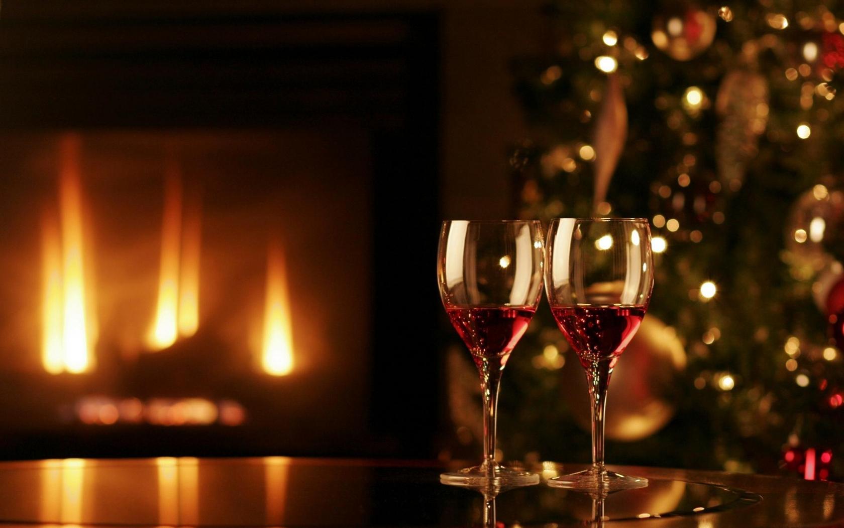 Dos copas con vino para navidad - 1680x1050