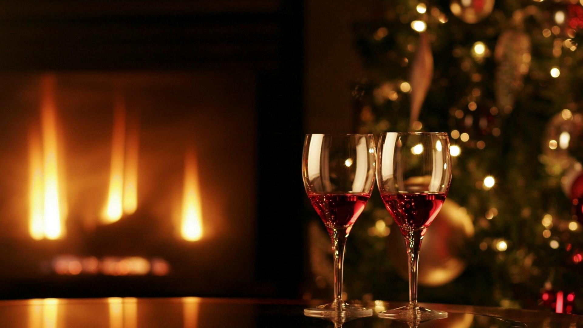 Dos copas con vino para navidad - 1920x1080
