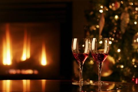 Dos copas con vino para navidad - 480x320