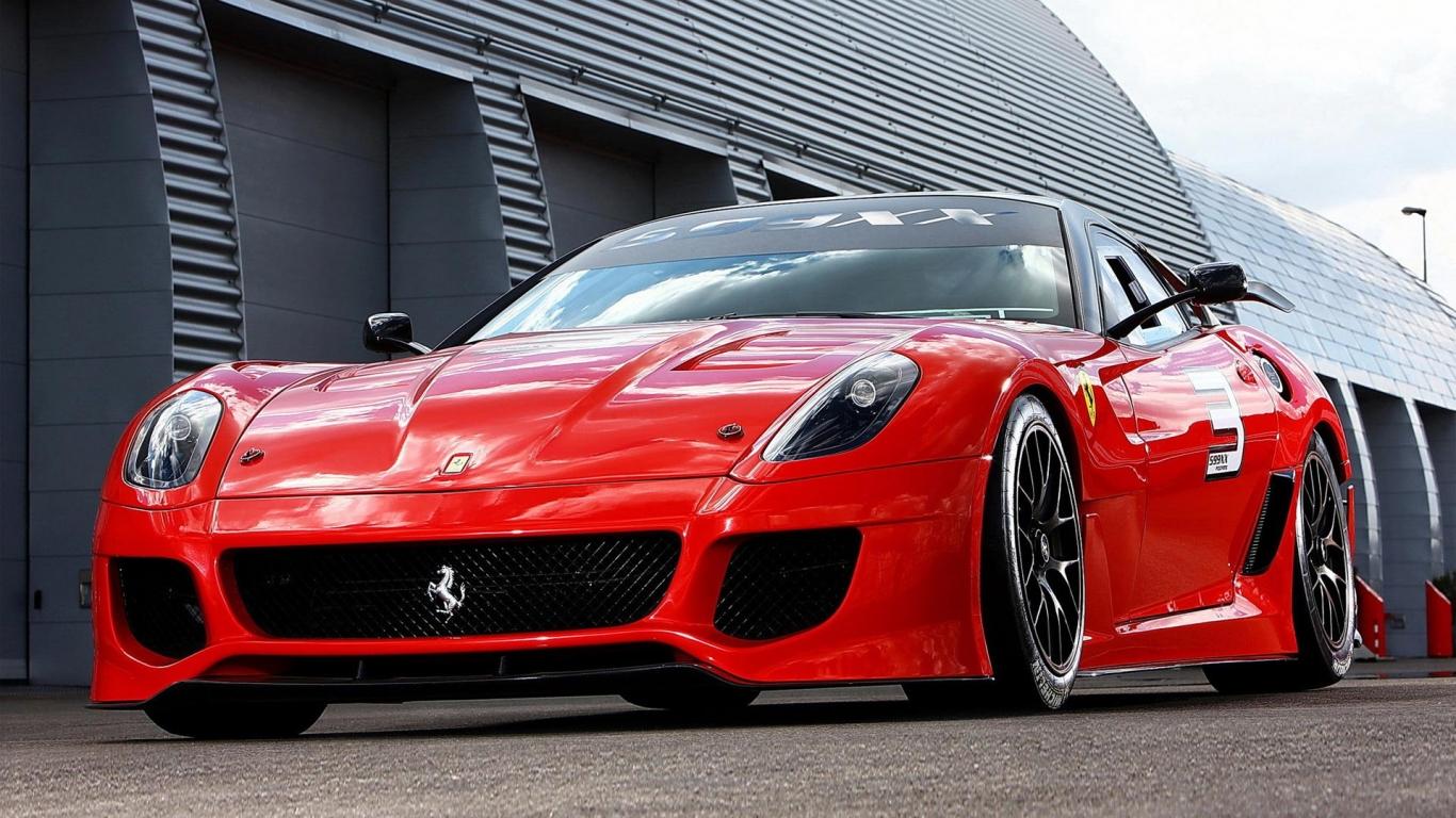 El Ferrari Rojo - 1366x768