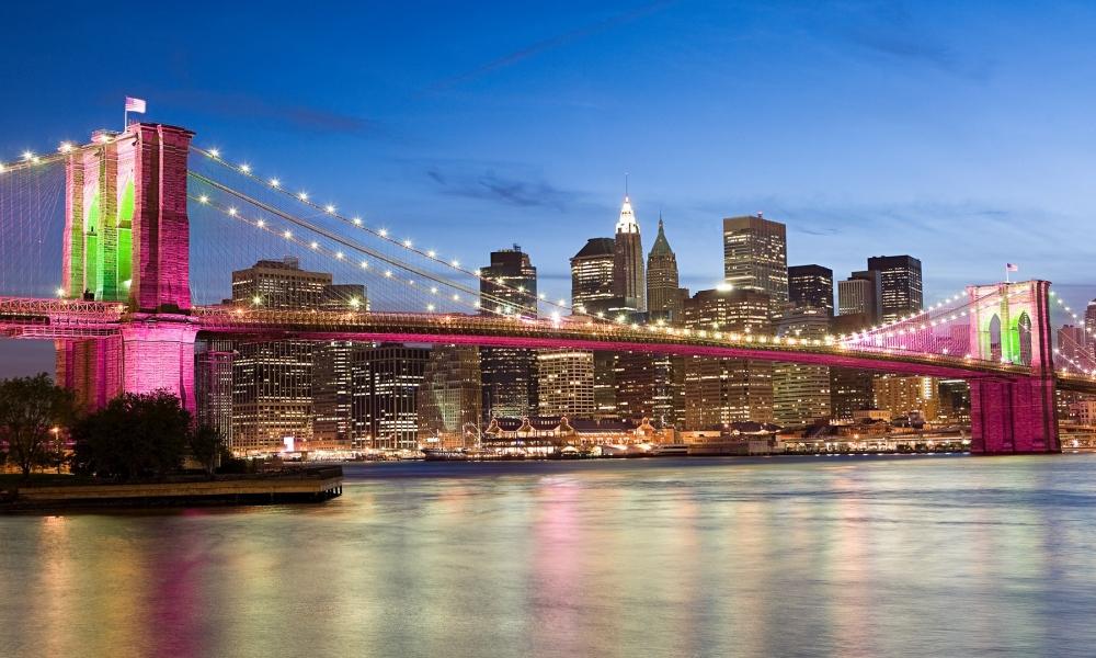 El puente rosado de Brooklyn Bridge - 1000x600