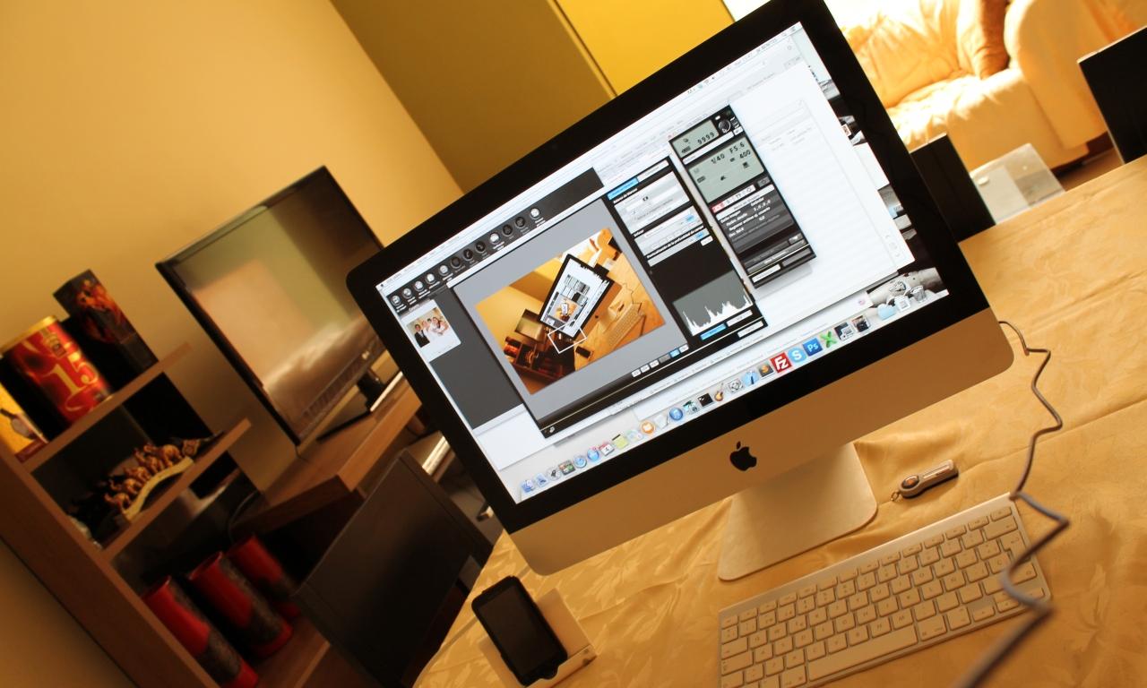 Escritorio con una iMac - 1280x768